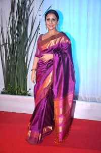 398px-Vidya_Balan_at_Esha_Deol's_wedding_reception_09