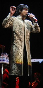 Sonu Nigam wearing sherwani at his concert