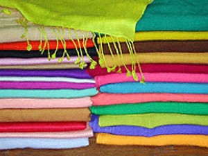 Pashmina_Shawls_Stoles_Scarves_And_Other_Pashmina_Products